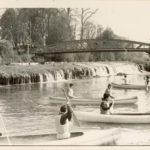 1965 Canoes derriere le barrage, à Chappes dans l'Aube